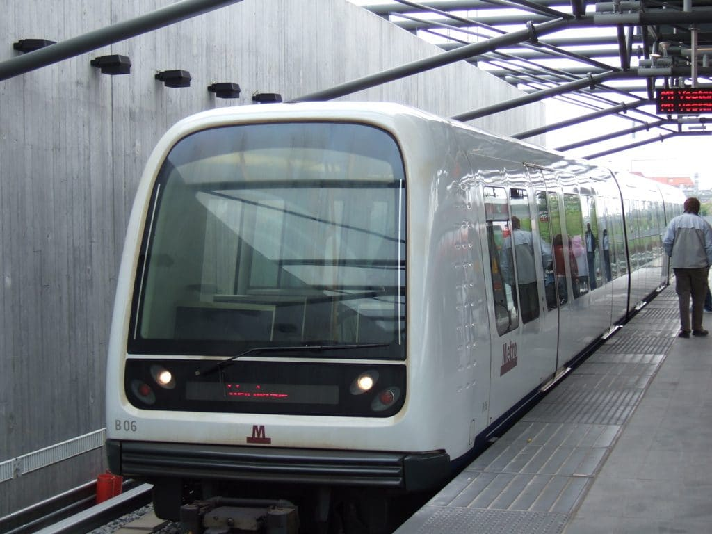 dünyanın ilk tam otomatik sürücüsüz metro hattı